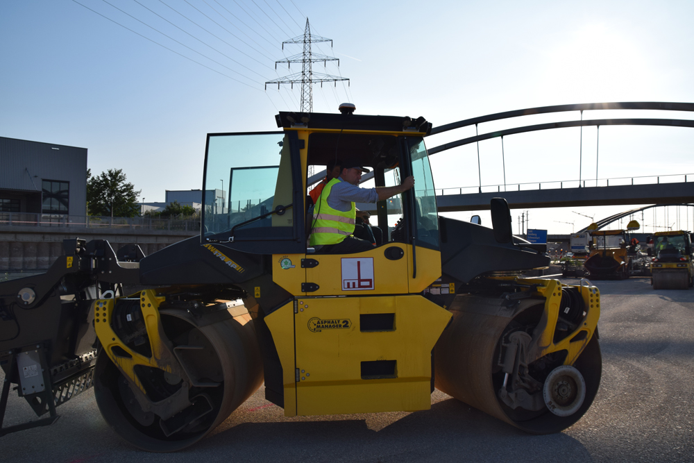 The contractor used the latest compaction systems from BOMAG