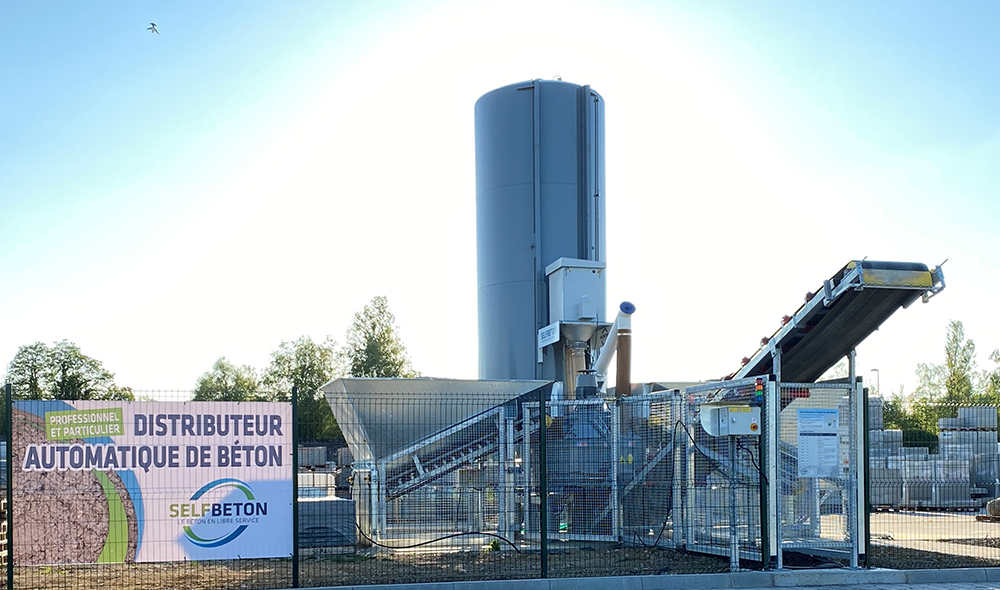 Selfbeton's automated concrete supply unit is said to be reliable and cost effective - image © courtesy of Selfbeton