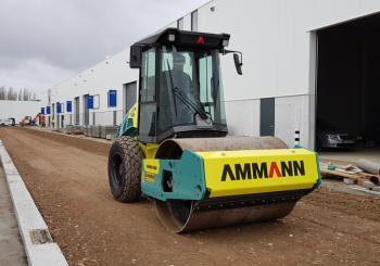 A contractor in Belgium is benefiting from the addition of an Ammann soil compactor to its fleet