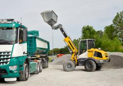 Liebherr is now offering a versatile loader with a telescopic boom