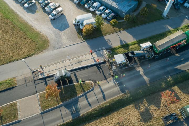 Optimisation of the paving process can be achieved using the latest technology from Vögele