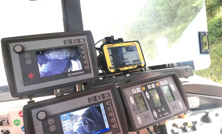 Data is shown in real time on the screen in the cab for the machine operator to view